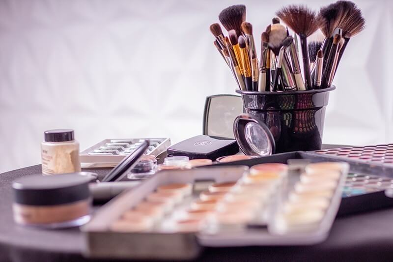 How-do-makeup-Youtube-channels-monetize